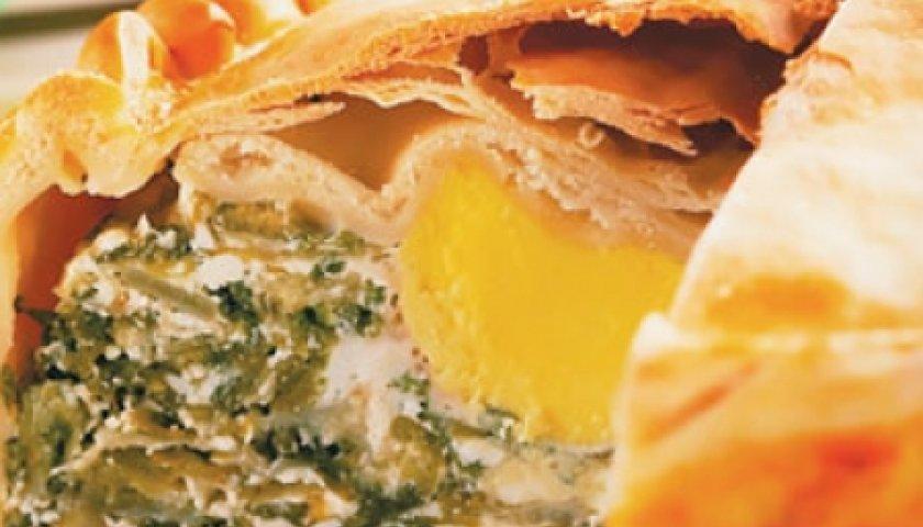 Torta de ovos, escarola e ricota