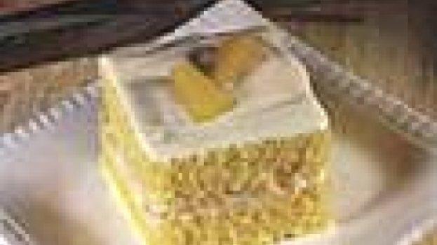 Bolo Cremoso de Abacaxi em Calda