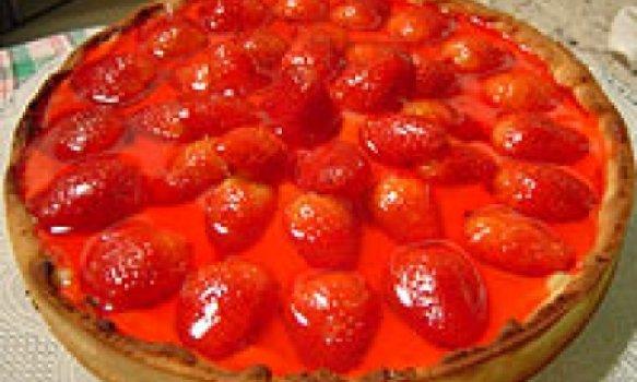 Torta de Morangos com Cobertura de Gelatina