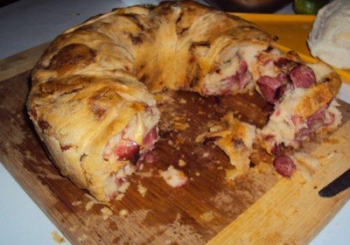 Pão de cebola e calabresa