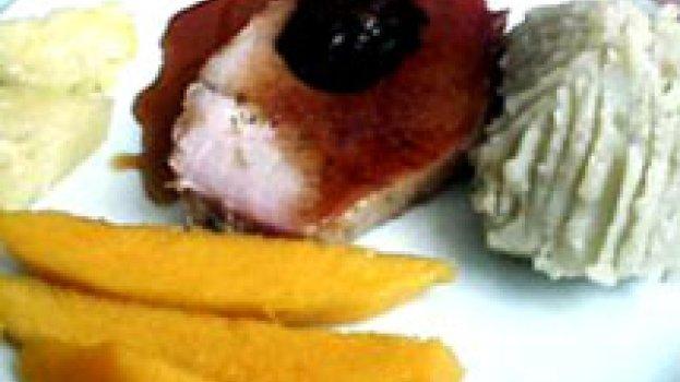 Lombo Recheado com Ameixas e Bacon