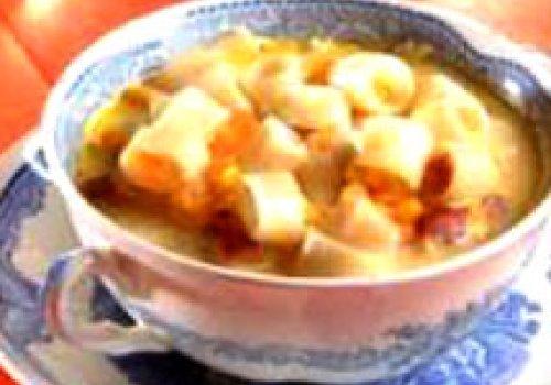 Sopa de Macarrão, Milho e Lingüiça Defumada