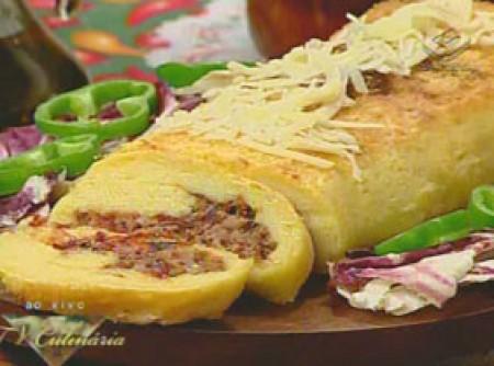 Rocambole de Mandioca com Carne Seca