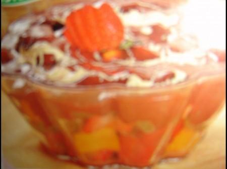 Escondidinho de frutas e chocolate