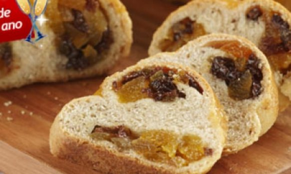 Pão com frutas secas