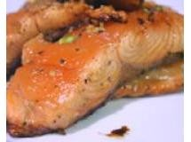 Papillote de salmão com alcaparras