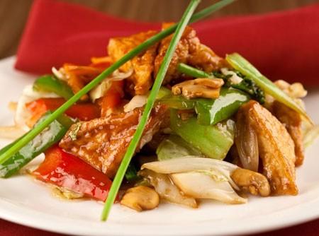Tofu frito com carne e legumes ao Molho de Missô | CyberCook