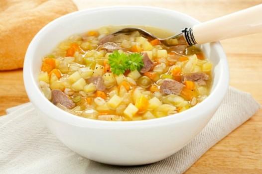 Sopa de Legumes com Carne e Macarrão