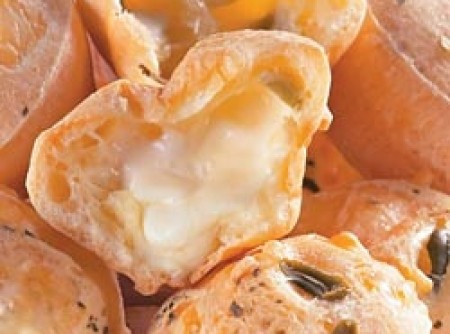 Pãozinho de queijo recheado | CyberCook