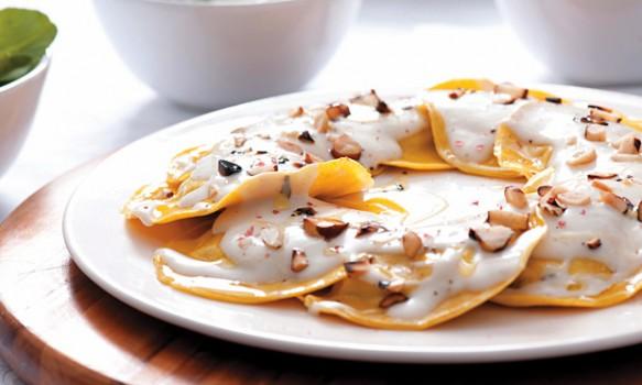 Massa de Abóbora com Queijo-da-canastra e Castanha-do-pará ao Bechamel de Coco | sabor e verso rita