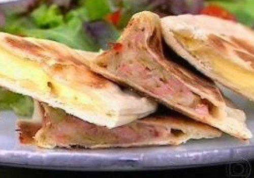 Pão arabe recheado