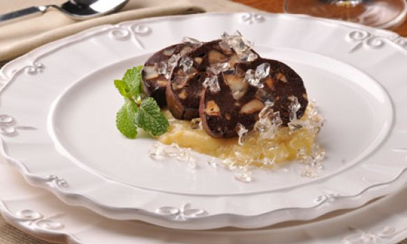 Salame de Chocolate com Castanhas do Brasil