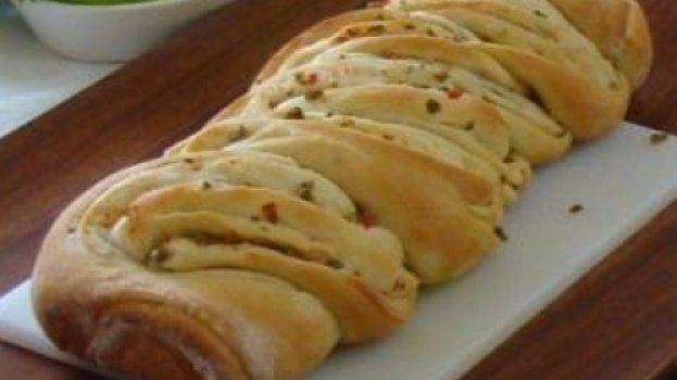 Pão de alho com azeitonas