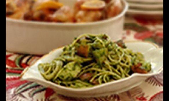 Espaguete verde com frango