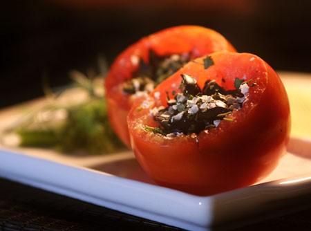 Tomates Recheados com Espinafre