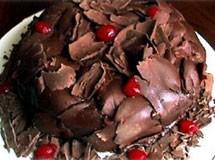 Bolo Mousse de Chocolate com Nozes