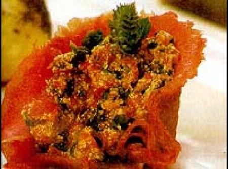 Troxinhas de canapés com pasata de pimentão