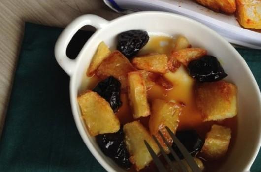 Batatas Assadas com Caramelo e Ameixa Seca