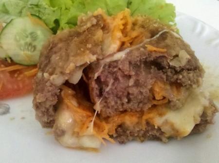 Rocambole de Carne, Calabresa, Queijo e Cenoura
