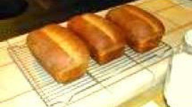 Pão Caseiro com Leite Condensado