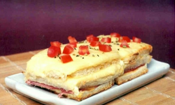Sanduíche de Atum com Mussarela