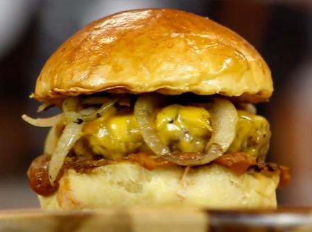 Minion Burger com Ketchup de Banana | CyberCook