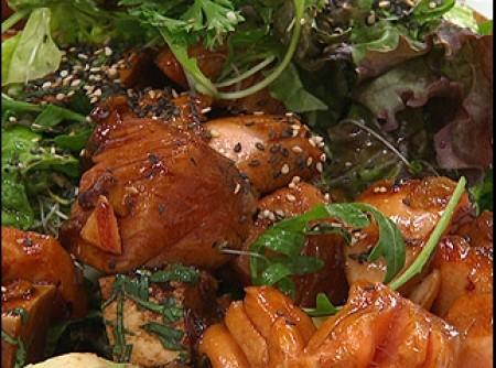 Salada morna de salmão vermelho
