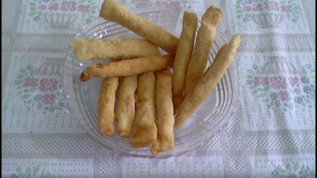 Charutos de mortadela com queijo