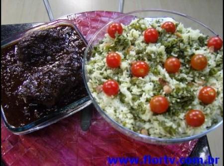Ombo com molho de ameixa e arroz verde - dulcinéia