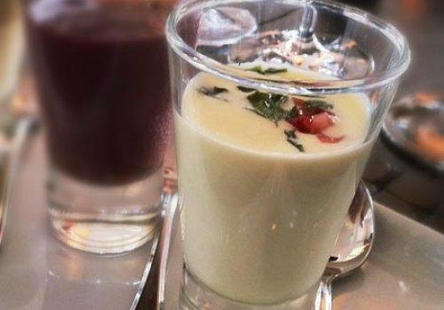 Sopa Fria de Chocolate Branco com Iogurte