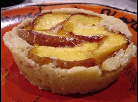 Tortinhas de pêssego e amêndoas