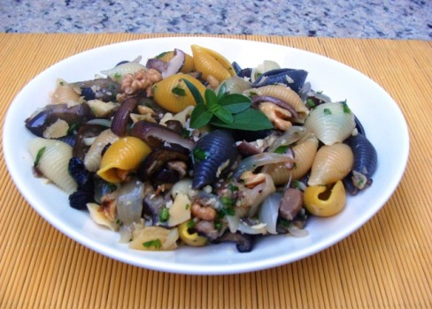 Salada com Funghi e Berinjela