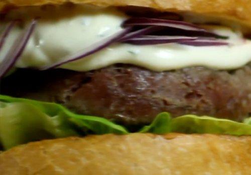 Hamburger Caseiro de Kibe Cru
