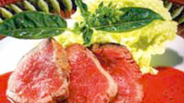 Filé de Boi Marinado com Gengibre e Suco de Tomate