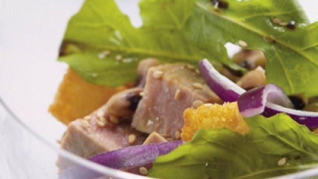 Atum Fresco com Salada de Feijão-Fradinho e Rúcula