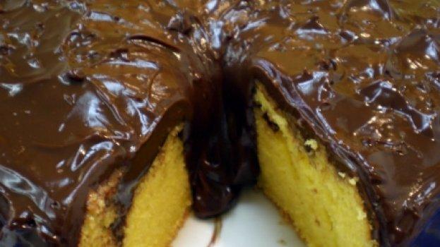 Bolo de Cenoura com Chocolate Meio Amargo