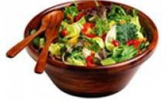 Salada colorida de verão