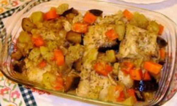 Bacalhau estufado com legumes