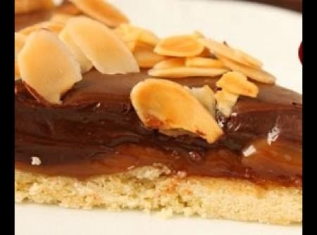 Torta de Chocolate com Doce de Leite e Amêndoas