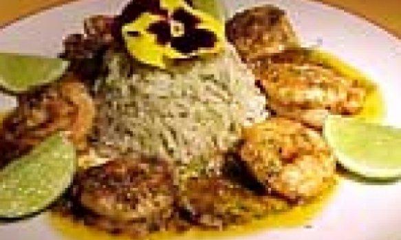 Camarões com alho e páprica