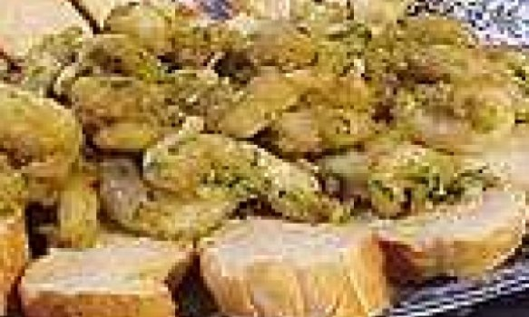 Camarões em pesto, alho e especiarias