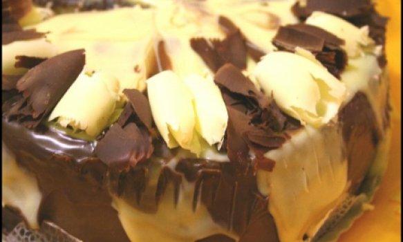 Bolo de Chocolate Negro com Ganache