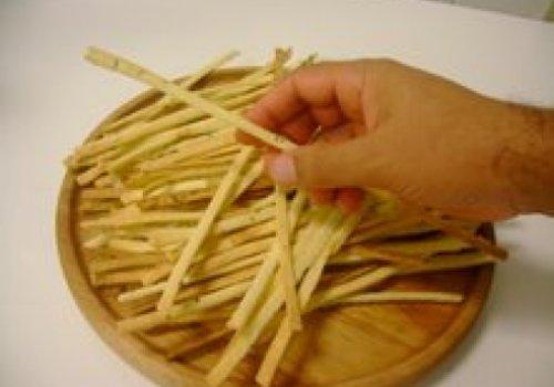 Palitinho crocante de queijo com ervas