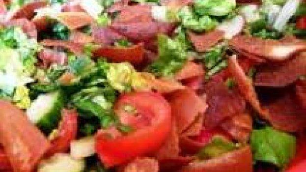 Fattoush (Salada de Pão e Legumes)