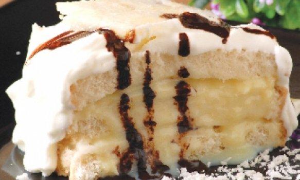 Bolo de Abacaxi com Maionese e Gelatina