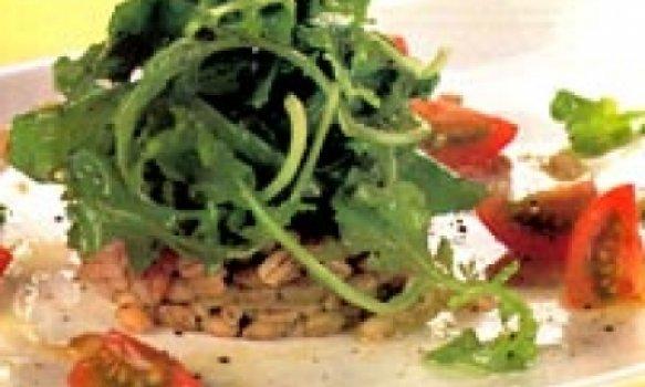 salada de cevadinha com rúcula e tomate cereja