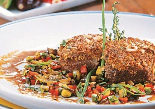 Carne crocante com legumes
