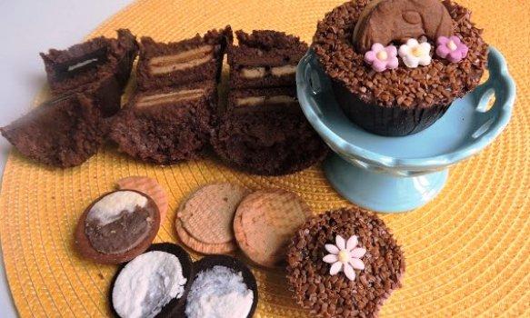 Cupcake de Chocolate com Biscoito Recheado