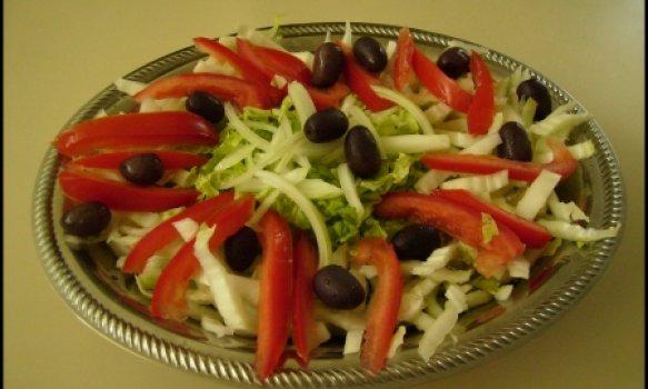 Salada de Acelga e Azeitonas Pretas