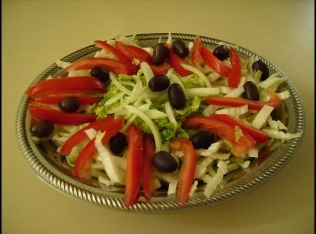 Salada de Acelga e Azeitonas Pretas | Luiza Monteiro Areas